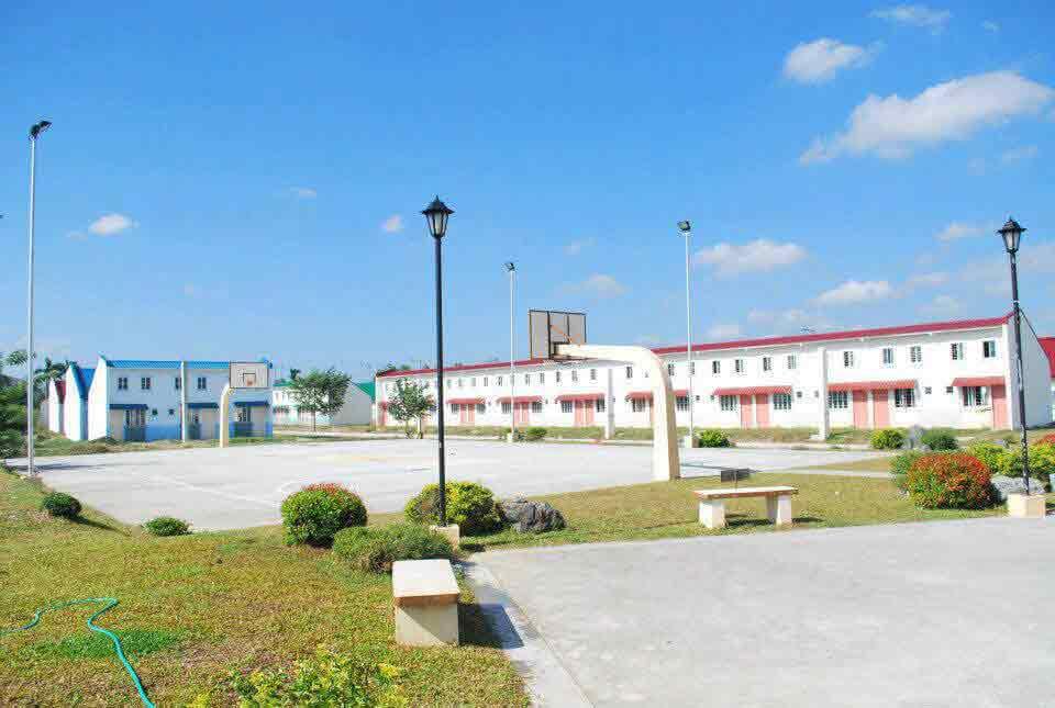 Castillon Homes - Basketball Court