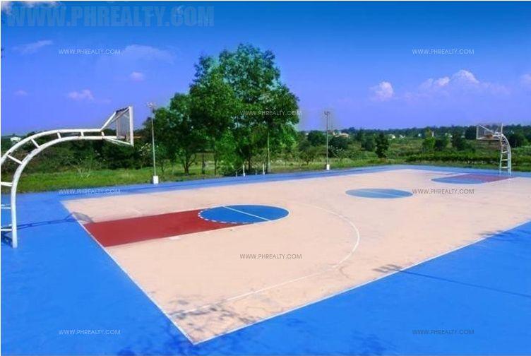 Robinsons Vineyard - Basketball Court