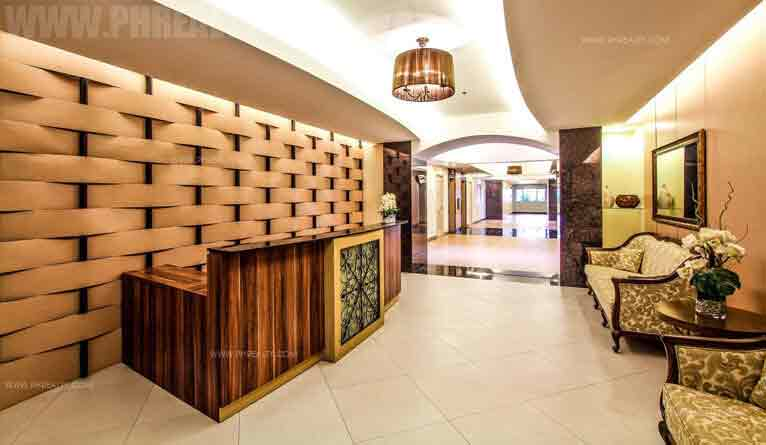 Chateau Elysee Residences - Grand Lobby