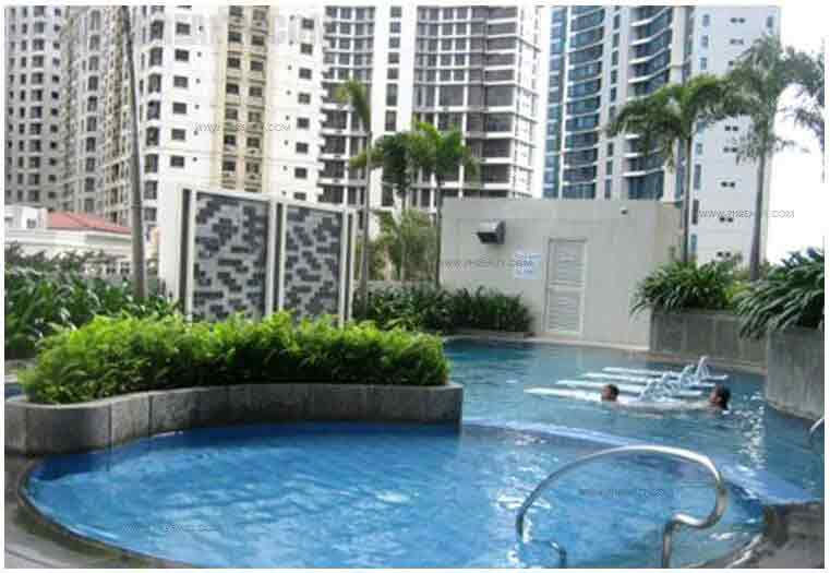 The Fort Residences - Swimming Pool