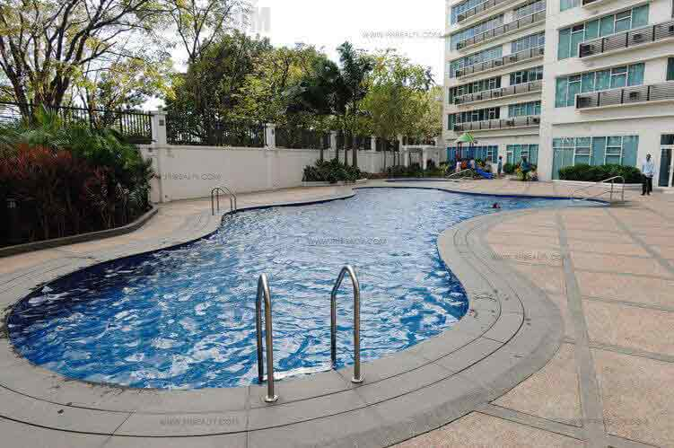 Fifth Avenue Place - Swimming Pool2