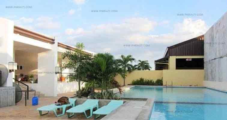 Carmona Estates  - Swimming Pool