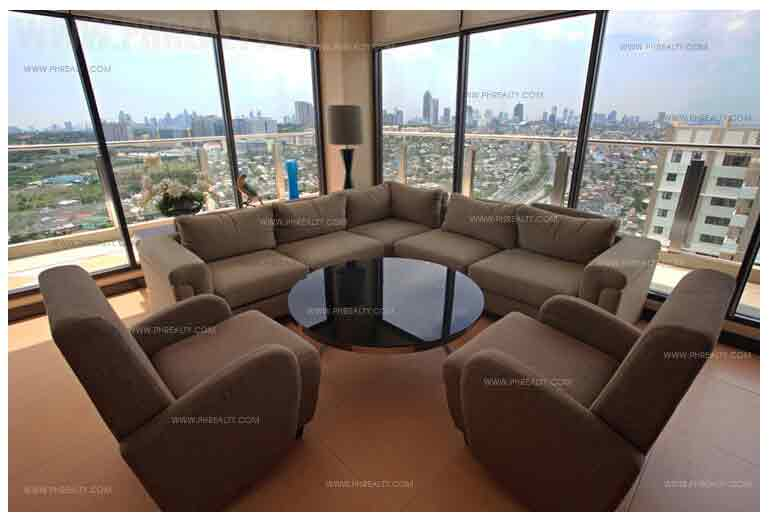 Cypress Towers - Altiva Sky Lounge