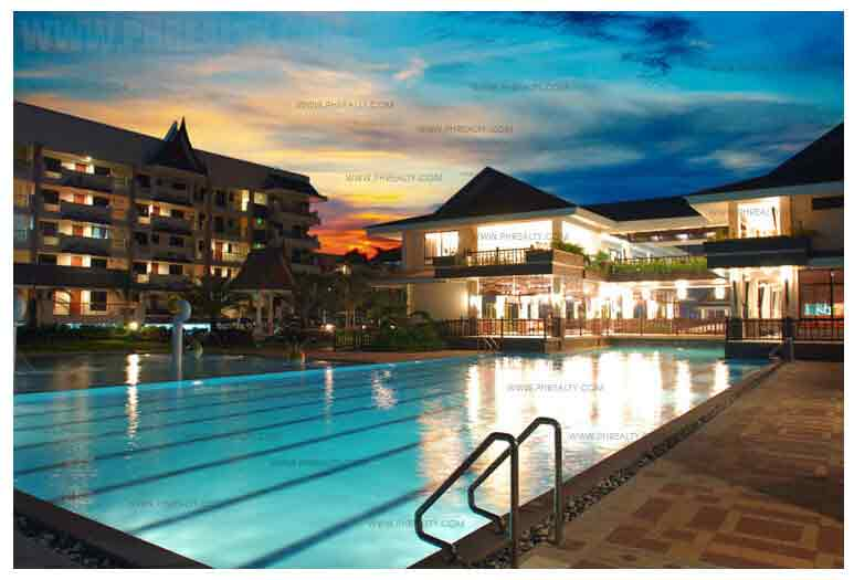 Royal Palm Residences - Lap Pool