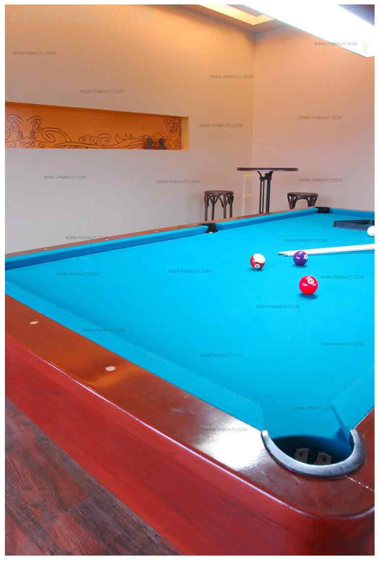 Royal Palm Residences - Game Room