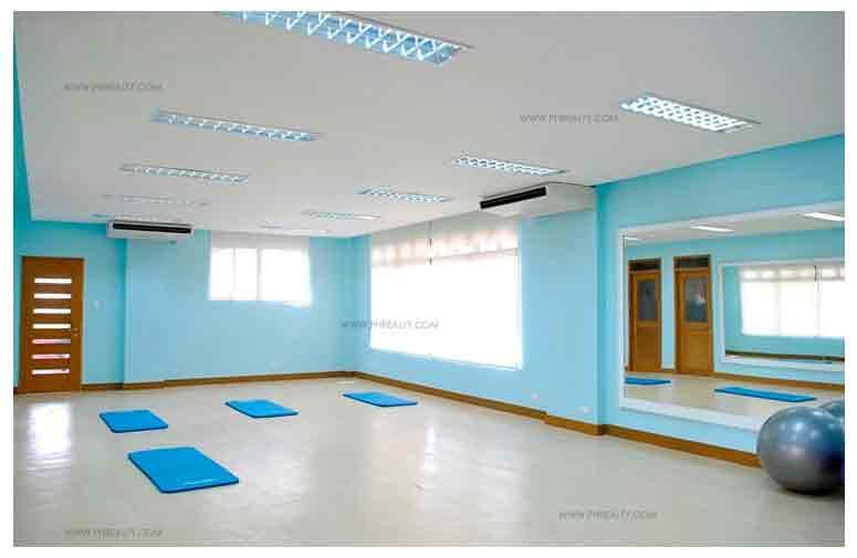 Mahogany Place III - Dance Studio