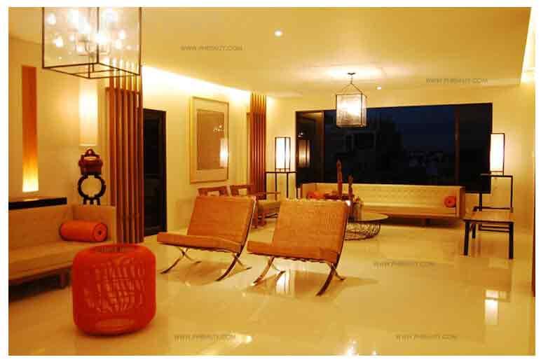 Mahogany Place III - Lobby Lounge Area