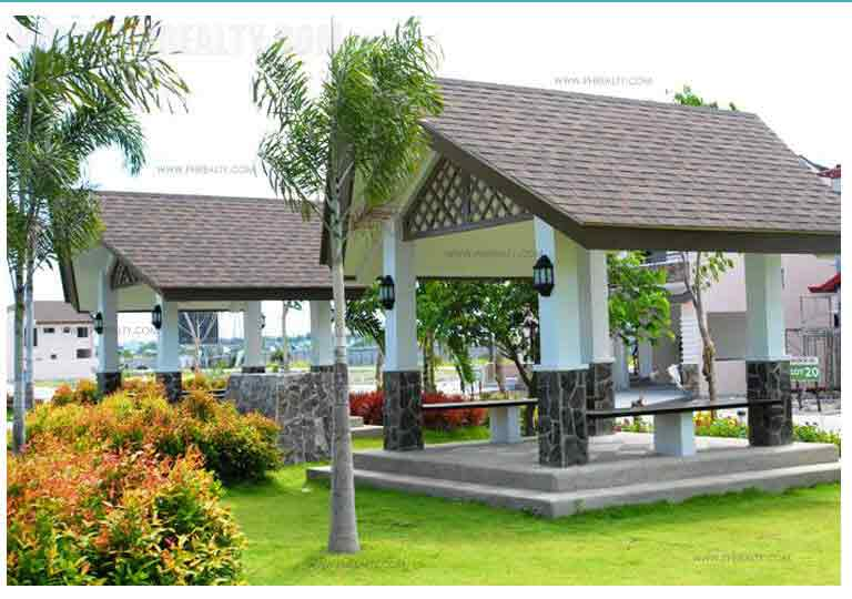 Mahogany Place III - Gazebo