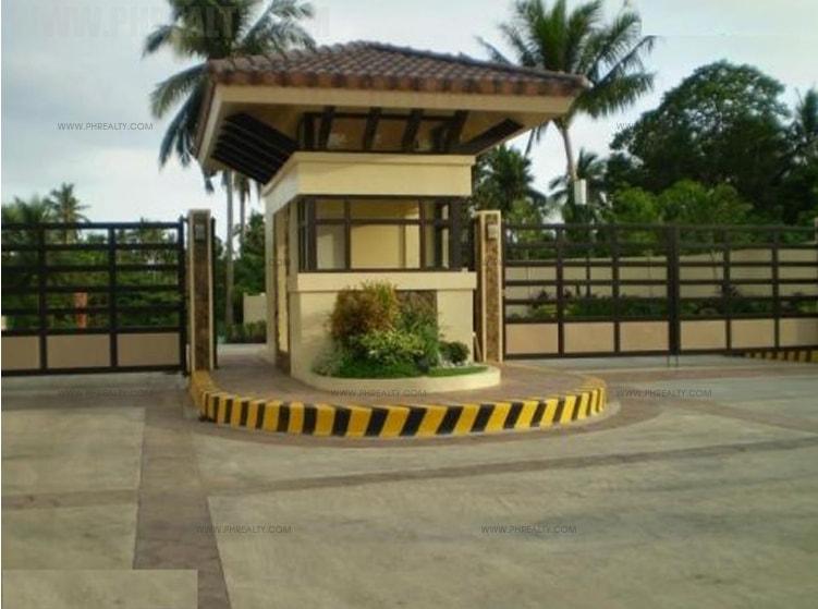 Heritage Spring Homes - Entrance Gate