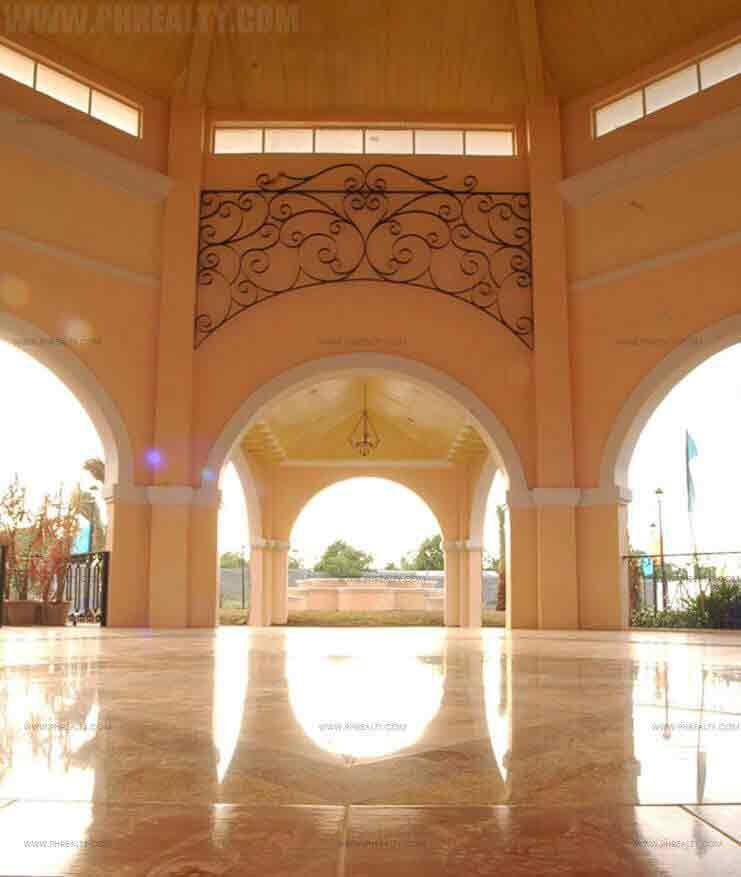 Mediterranean Villas - Clubhouse Interior