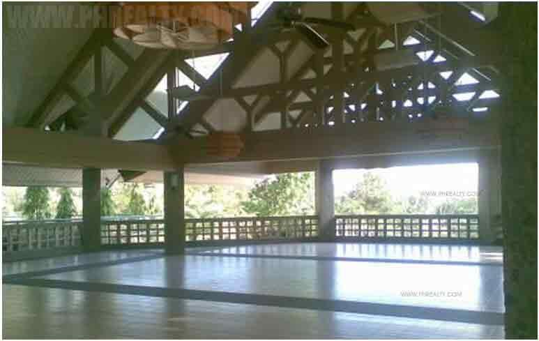 The Terraces - Club House