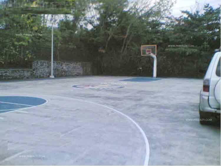 Villa Montserrat lll - Basketball