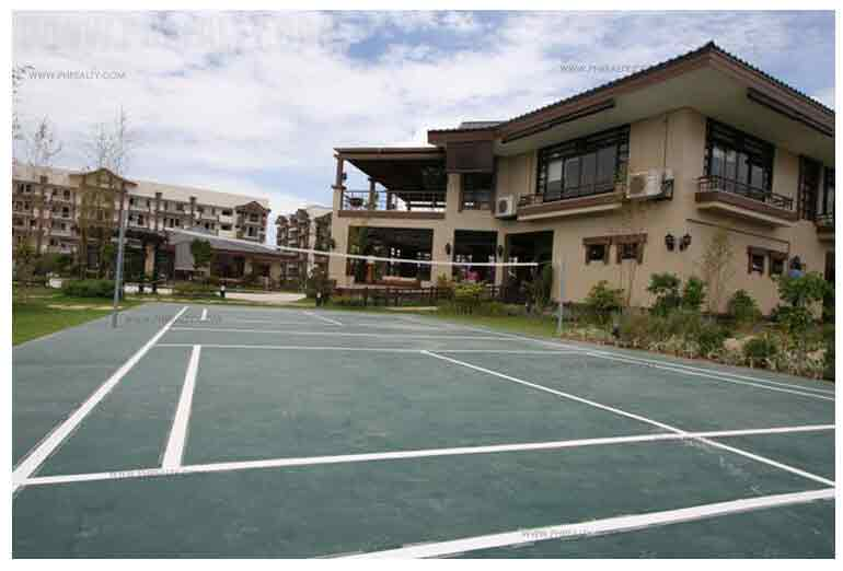 Rosewood Pointe - Badminton Court