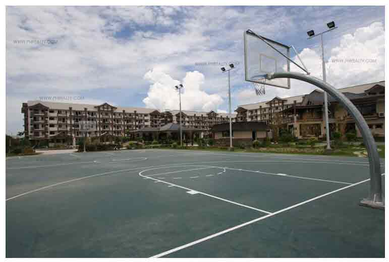 Rosewood Pointe - Basketball Court