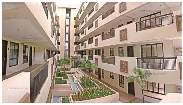 Accolade Place - Landscaped Atriums