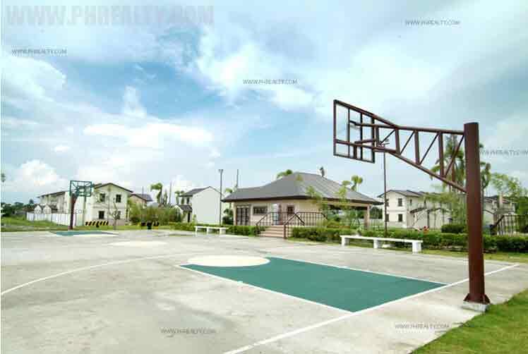 Lessandra Bucandala - Basketball Court