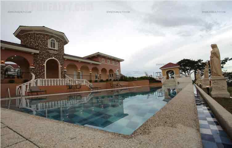 Camella Lombardi - Swimming Pool