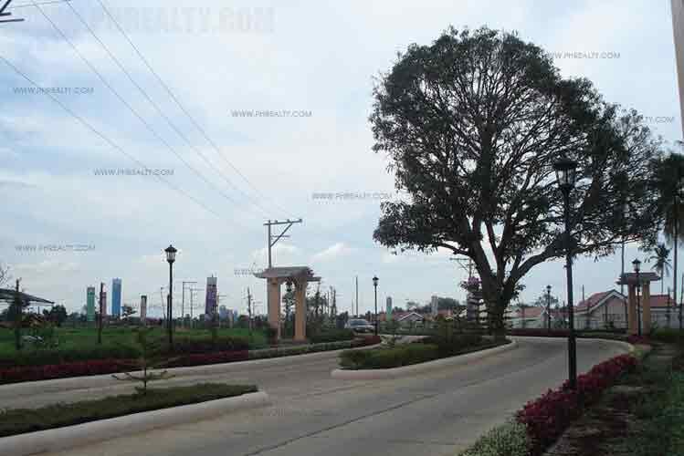 Camella Toscana - Tree Lined Avenue