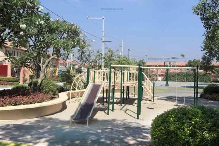 Cerritos Residences - Playground