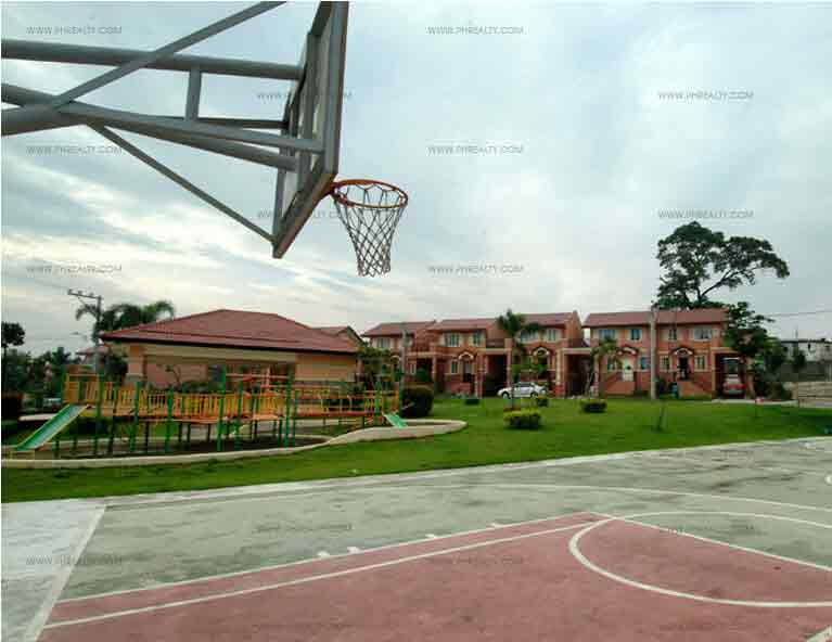 Glenmont - Basketball Court