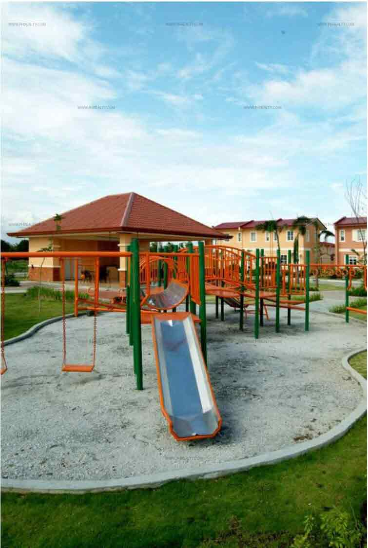 Lessandra Heights - Playground