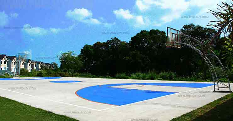 Valle Verde - Basketball Court