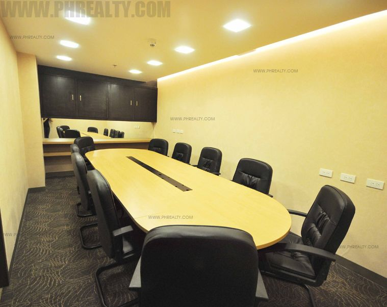 Antel Spa Suites - Conference Room