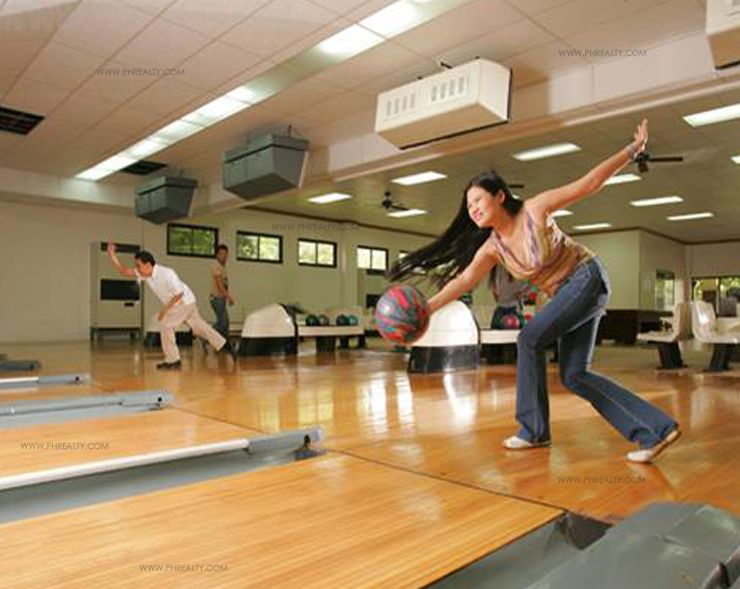 Canyon Woods Residences - Bowling Area