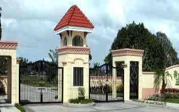 Tierra Verde - Main Entrance Gate