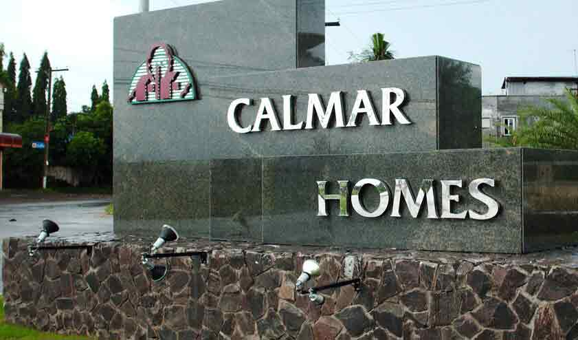 Calmar Homes - Front Entrance Gate