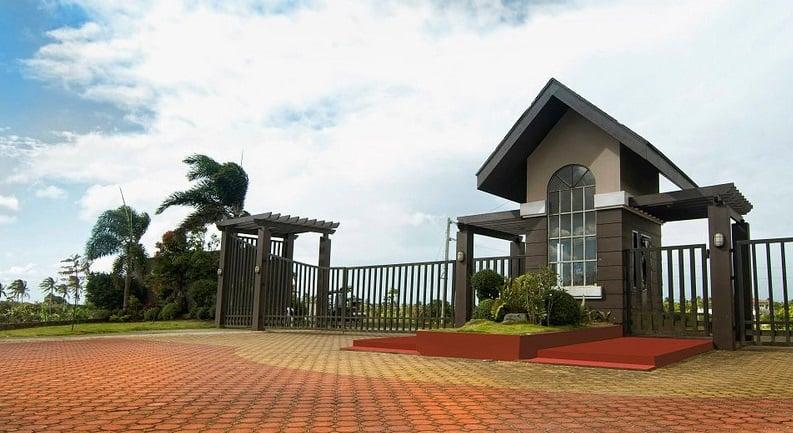 Montebello Metro Tagaytay - Entrance Gate