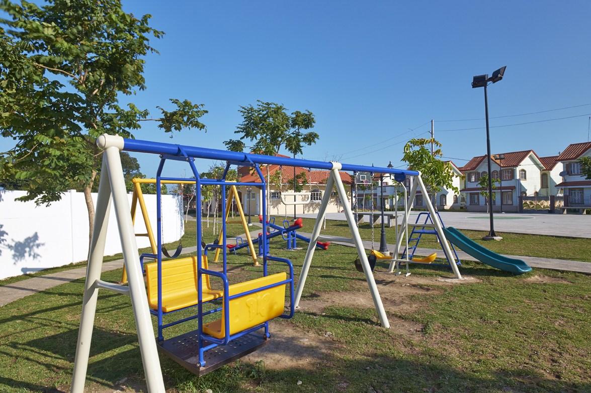 Il Giardino Residences - Parks and Playground