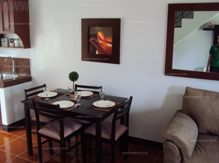 Alegria - Dining Area