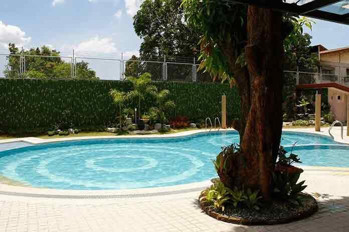 Buildersville - Swimming Pool