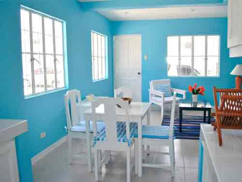 Holiday Homes - Dinning Area