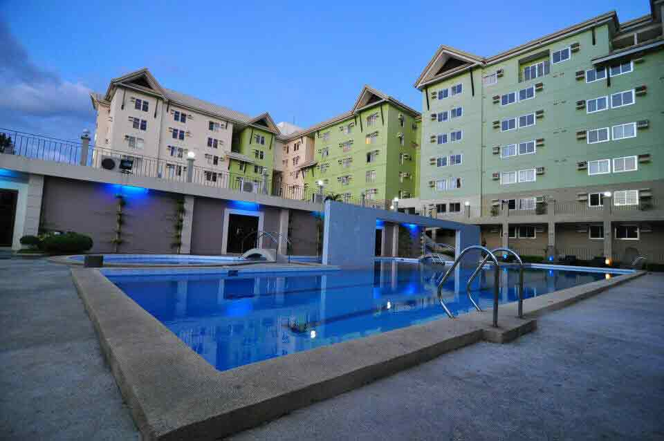 Centropolis Communities - Pool View