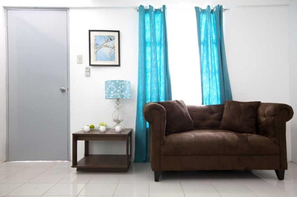 Peninsula Homes - Model Unit Living Room