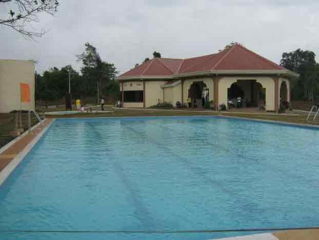 Deca Homes Resort Residences - Swimming ool