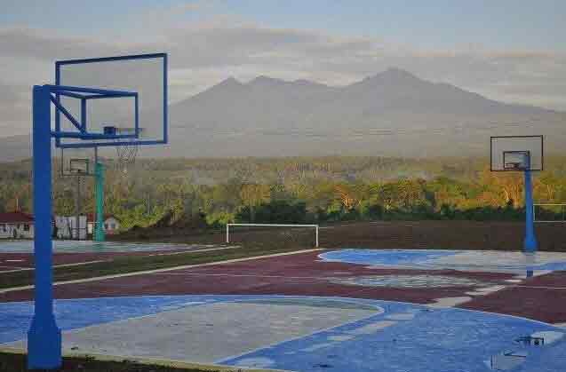 Deca Homes Resort Residences - Basketball Court