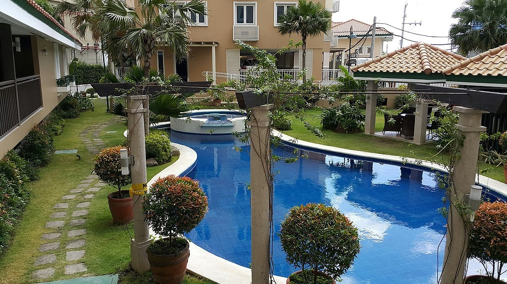 Tres palmas condominium in fort bonifacio taguig metro manila price - Swimming pool area ...
