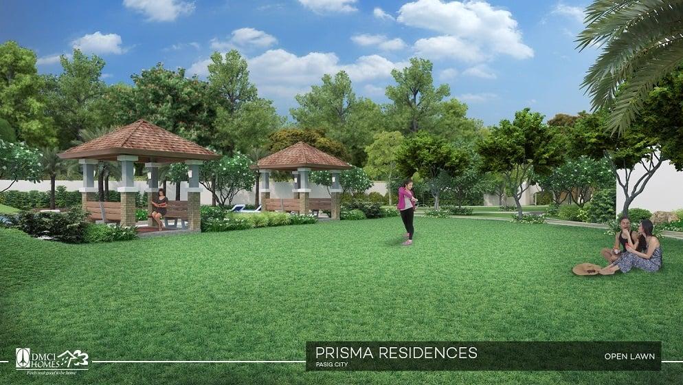 Prisma Residences - Lawn Area