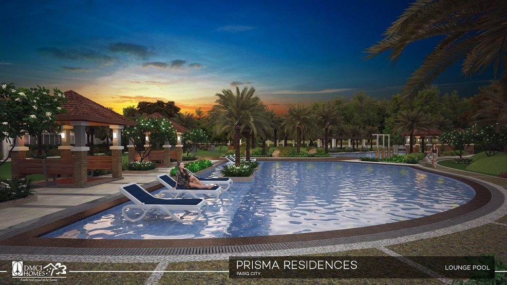 Prisma Residences - Lounge Pool