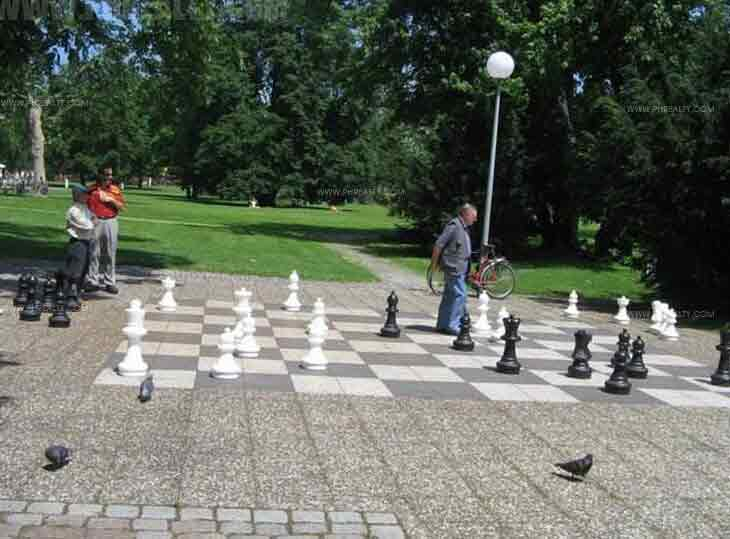 Washington Place - Giant Chess Board