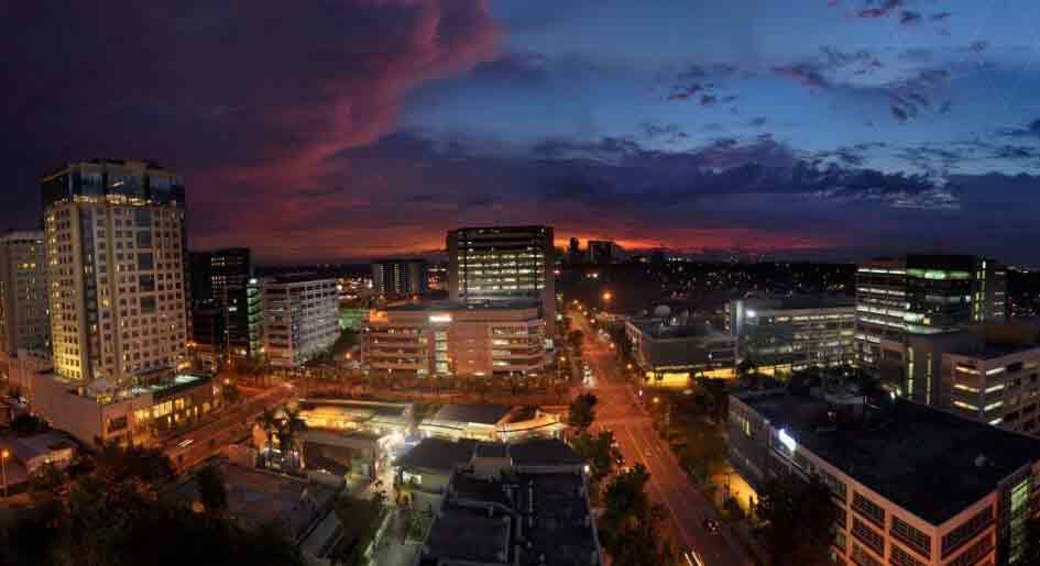 Southkey Place - Sunset - Alabang Skyline