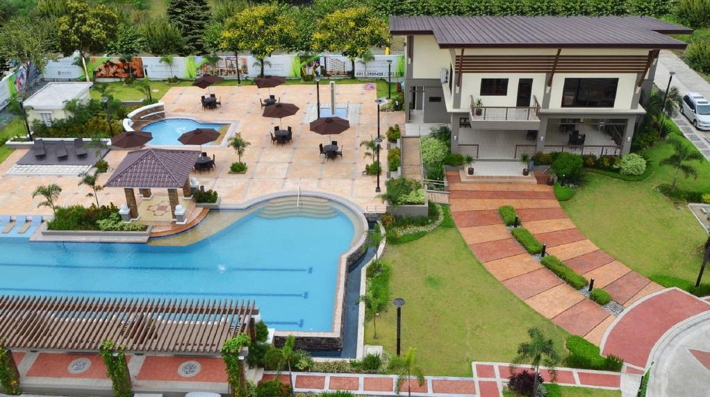 Moldex Residences Valenzuela - Pool View
