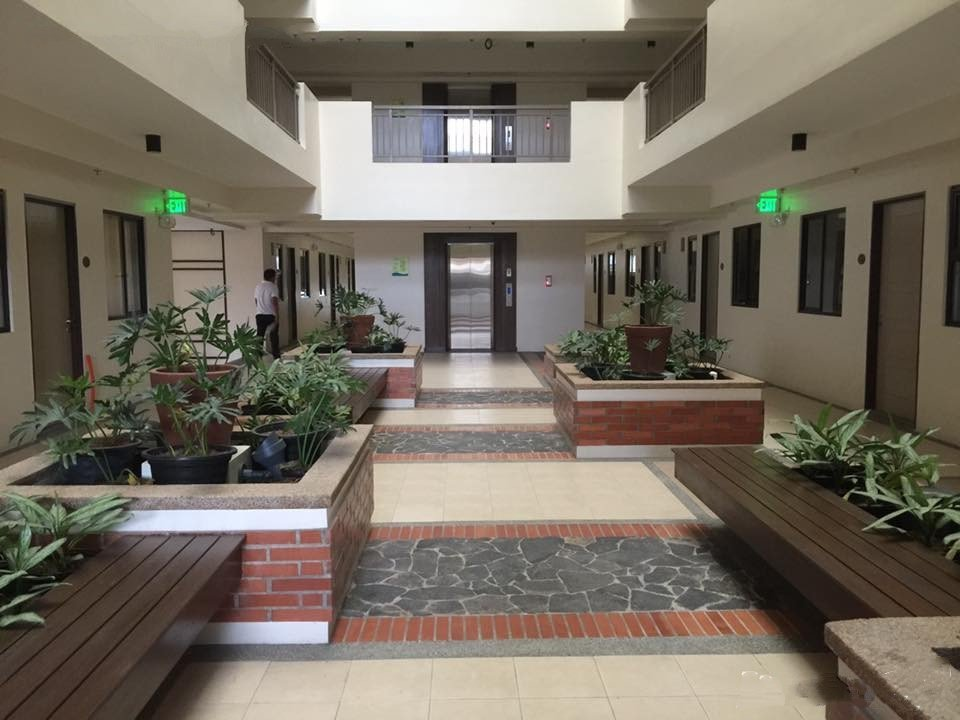 The Atherton - Atrium