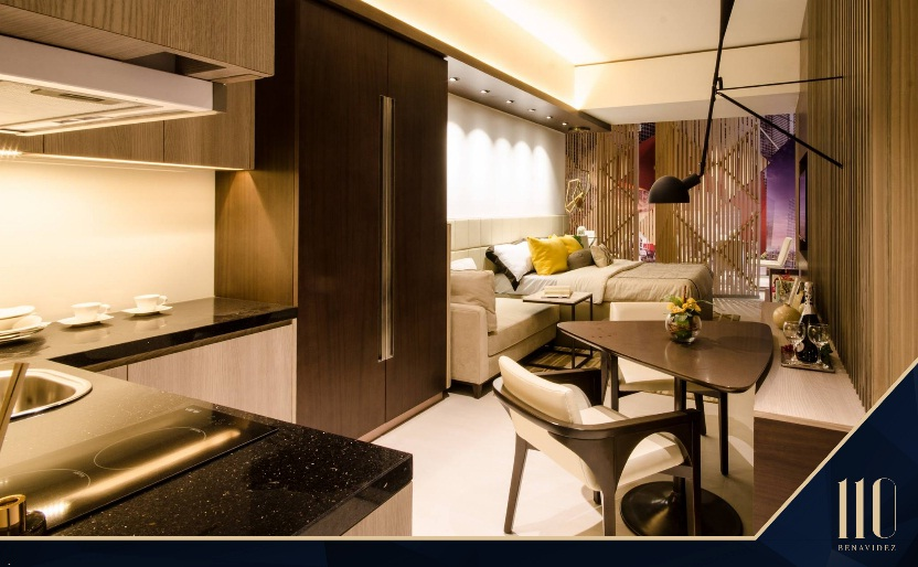 Arezzo Place - Kitchen and Dining Area