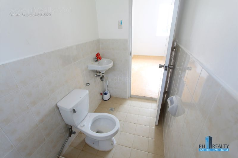 Camella Crestwood - Bathroom