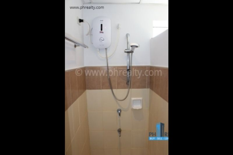 Grand Central Residences - Bathroom