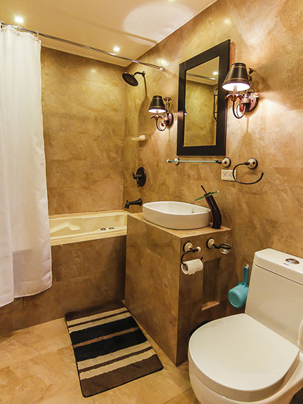 Blue Sapphire Residences - Bathroom